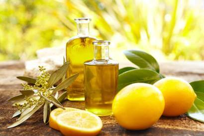 Tinh dầu chanh giúp cơ thể thanh lọc, loại bỏ chất độc ở gan và thận.